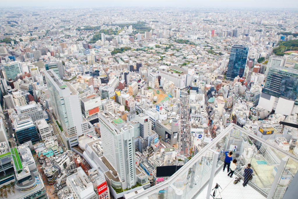 「渋谷でしかできない101のこと」第12版にて、話題スポットの渋谷スクランブルスクエアを紹介。日本最大級の屋上空間「渋谷スカイ」にも注目。